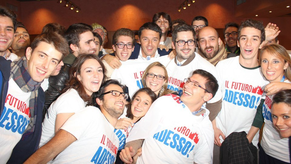 Matteo Renzi e i volontari al Dal Verme